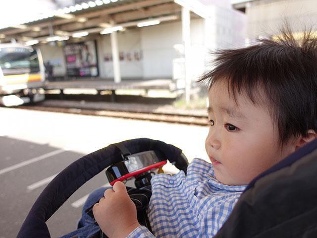 ベビーカーと電車